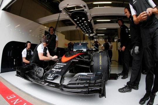 Muso piccolo McLaren Alonso