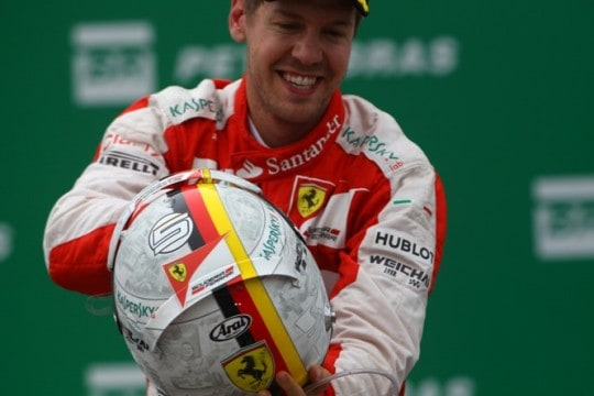 Vettel Casco Podio