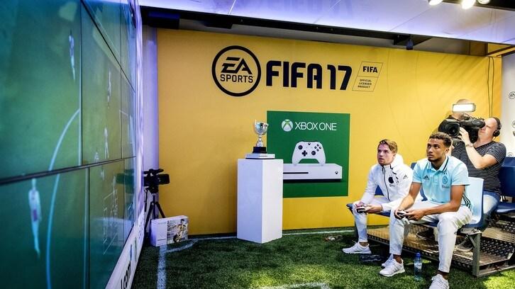 FIFA e PES 2018, Clasico da eSports