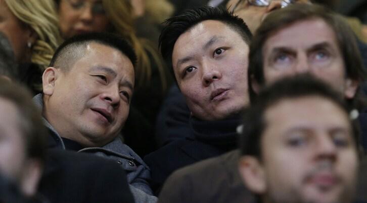 L'Italia che abbraccia i cinesi