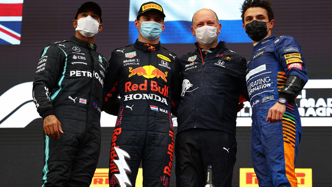F1, Gp Emilia Romagna: la vittoria di Verstappen e la rimonta di Hamilton