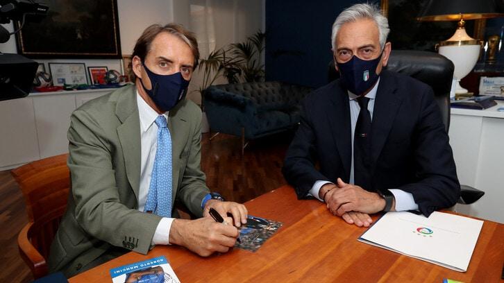 Mancini dietro a Pozzo e Bearzot