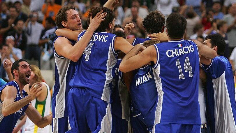 Italbasket: ad Atene 2004 la Nazionale si colora d'argento