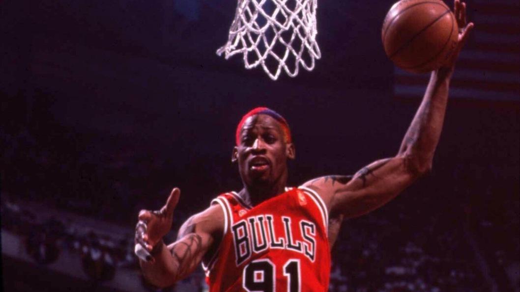 """Dennis Rodman, """"il verme"""" dai capelli colorati"""